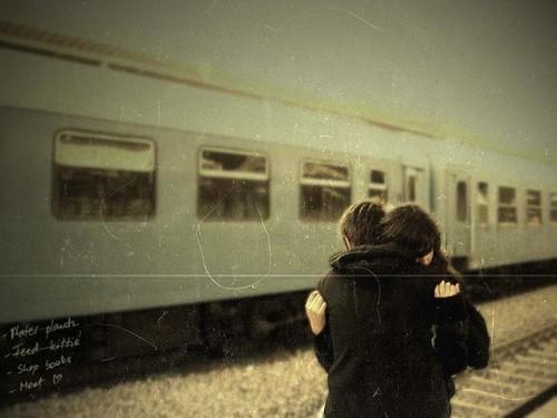 Tình yêu đầu đời, đừng làm em tan vỡ...