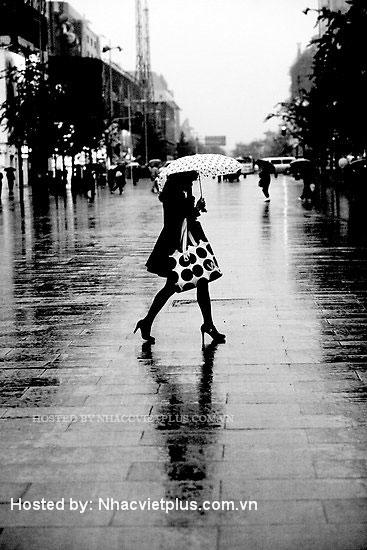 Bước trên con đường mưa ( Thì thầm 197)