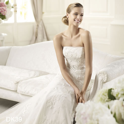 Chọn áo cưới cho 12 cô dâu cung hoàng đạo