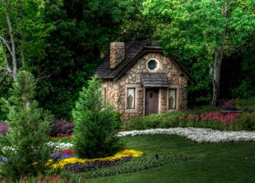Ngôi nhà nhỏ bên đường
