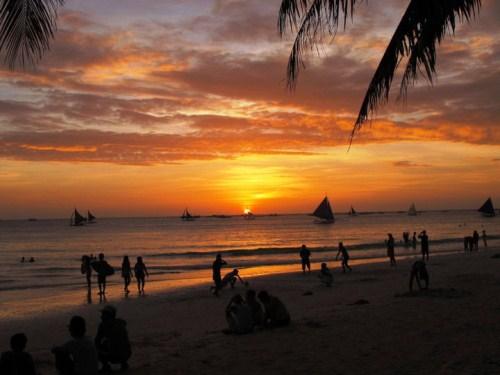 Dấu chân online 83: Ngất ngây biển trời Boracay