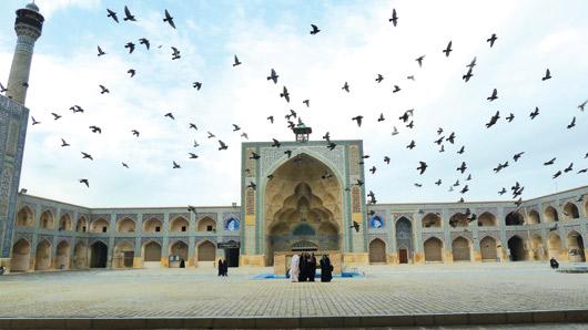 DCOL 113: Esfahan, đi dạo qua một nửa thế gian
