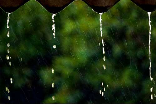 Khoảng lặng cơn mưa tháng năm