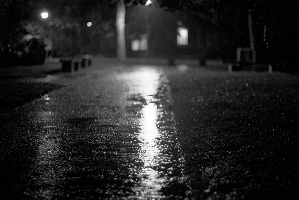 đêm mưa