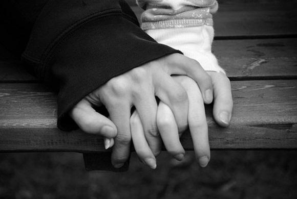 nắm tay, yêu thương