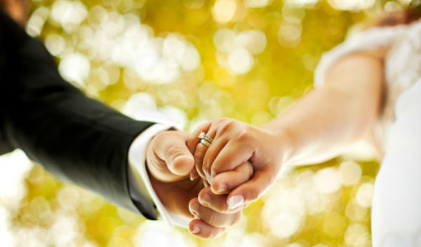 Hay là chúng mình đám cưới đi anh!