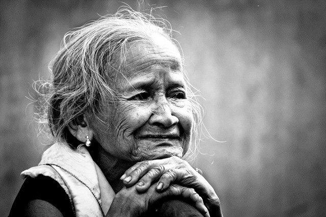 Chùm thơ: Mai con về với mẹ được không? (Rong Rêu)