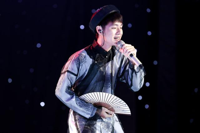 Cháu bảy đời của Cao Bá Quát khiến giám khảo Sing My Song tranh cãi quyết liệt