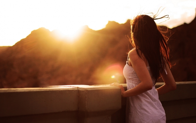 Dành cả thanh xuân để yêu ai đó liệu có đáng không?