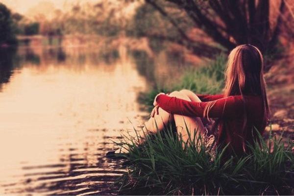 Tuổi nào bất giác thấy cô đơn