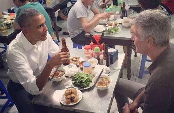Tổng thống Obama ăn bún chả - sự giản dị của người đàn ông quyền lực nhất nước Mỹ