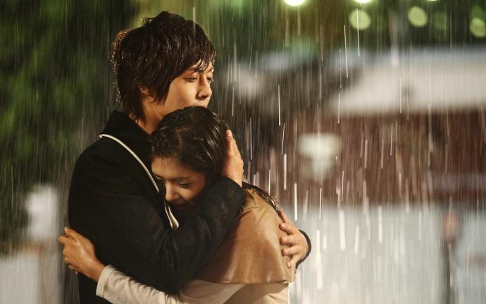 Mưa đầu mùa rơi vào ngày yêu cuối