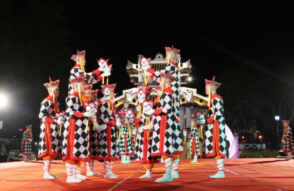 HotNews 3/5: Lễ hội cầu an tại Festival Huế