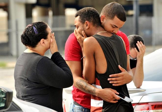 Thông tin mới nhất về vụ xả súng tại câu lạc bộ đồng tính nam Orlando, bang Florida Mỹ