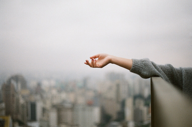 Đành lòng buông tay khi duyên phận không còn