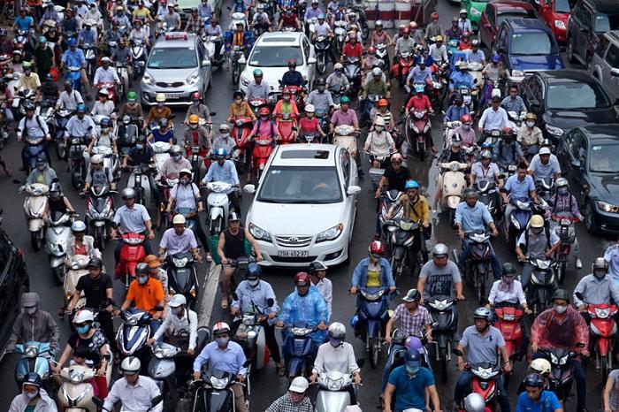 Đề xuất cấm xe máy ngoại tỉnh vào nội thành gây bức xúc trong dư luận