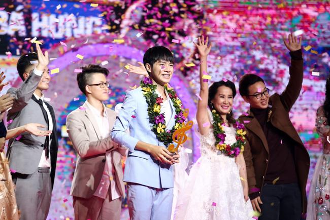 Tranh cãi kịch liệt khi Cao Bá Hưng trở thành quán quân Sing My Song mùa đầu