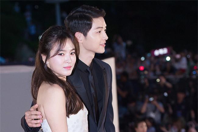 Gần đến ngày kết hôn, Song Joong Ki - Song Hye Kyo lo lắng hôn lễ trở nên hỗn loạn