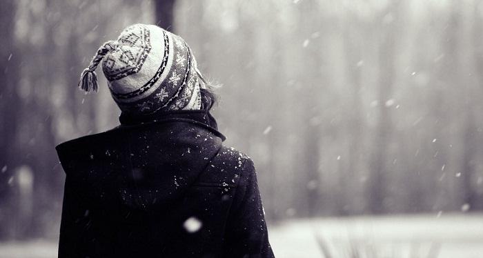 Em vẫn một mình mặc ngày tháng rong rêu