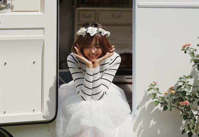 Vòng hoa cưới cài đầu