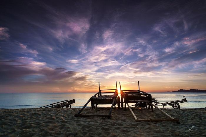 Nhớ ba mạ, nhớ nắng và gió Lào quê tôi