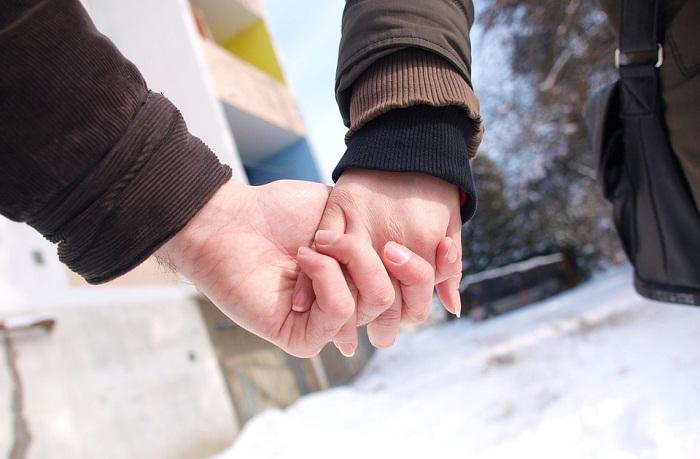 Ý nghĩa của những cái nắm tay