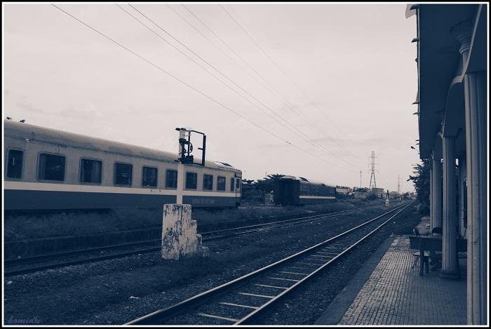 Hai chuyến tàu ngược