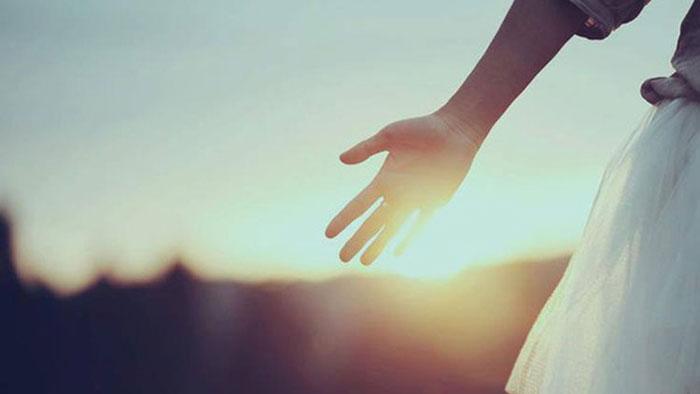 Có những cái buông tay để hối hận suốt đời