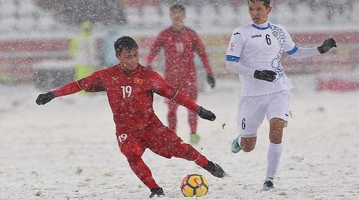 Quang Hải đánh bại hàng loạt đối thủ với siêu phẩm 'cầu vồng trong tuyết' đẹp nhất U23 châu Á
