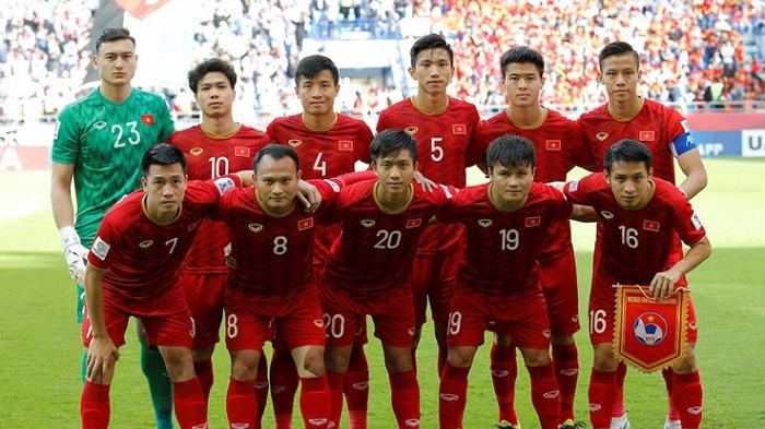 CĐV Trung Quốc chỉ ao ước đội tuyển nước họ đá được như Việt Nam